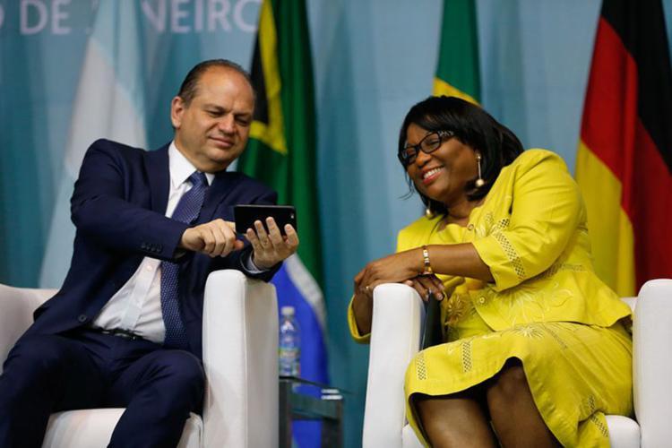 O ministro da Saúde e a diretora da Organização Pan-Americana da Saúde abriram o 1º Congresso Internacional de Práticas Integrativas e Saúde Pública - Foto: Tânia Rêgo l Agência Brasil