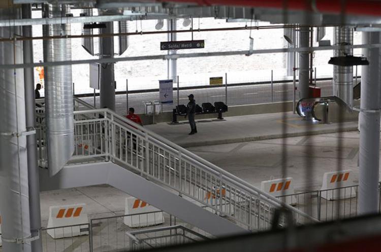 Plataforma do equipamento permanece com pouca movimentação de passageiros - Foto: Adilton Venegeroles l Ag. A TARDE