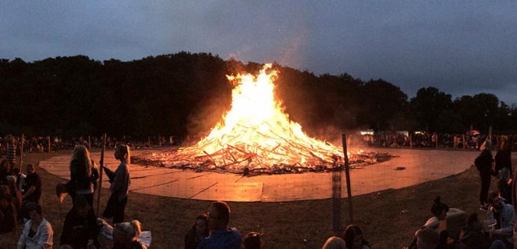 Trata-se de Sankthans, uma festa religiosa em memória de João Batista - Foto: Reprodução