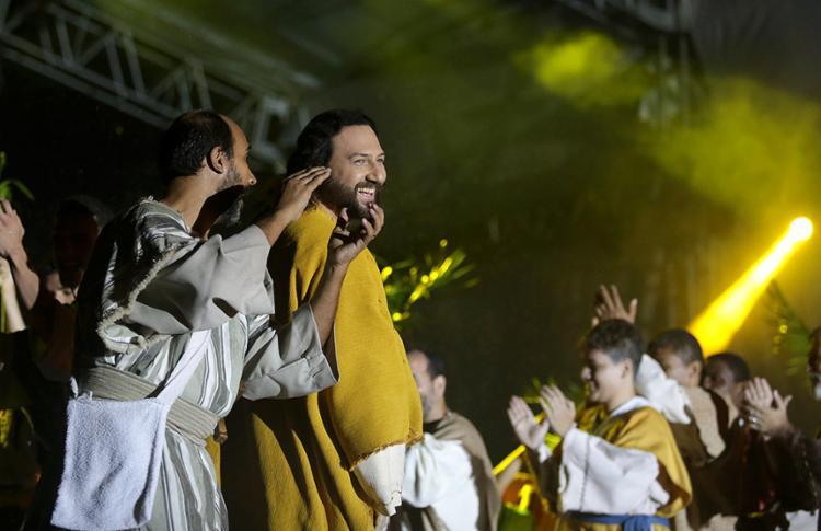 Realização da peça é da comunidade Shalom, com experiência de 15 anos no evento - Foto: Raul Spinassé/ Ag. A TARDE