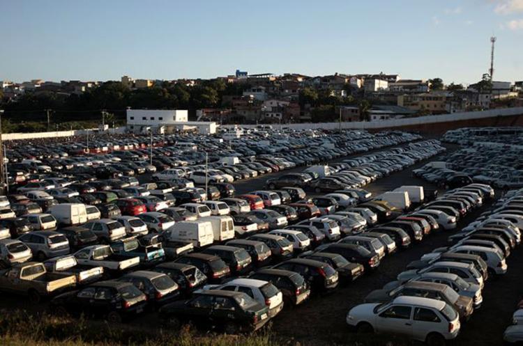 Pátio de recolhimento de veículos no bairro de Mussurunga - Foto: Alessandra Loril l Ag. A TARDE