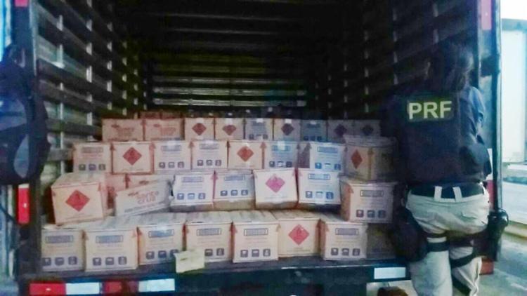 Veículo transportava 3500 litros de álcool sem nota fiscal - Foto: Divulgação | PRF