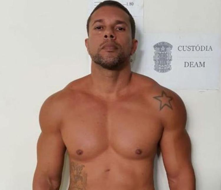 Autuado por porte ilegal de armas, Júlio Alex foi encaminhado ao sistema prisional - Foto: Divulgação   Polícia Civil