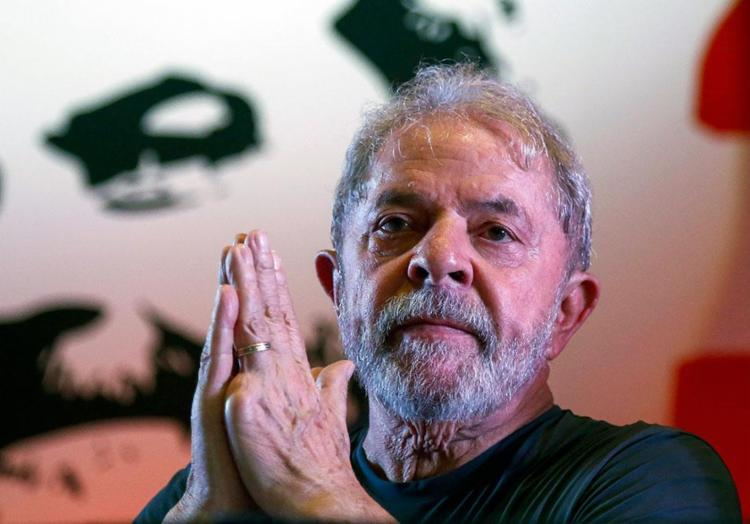 Lula foi condenado a 12 anos e um mês de prisão no caso triplex, por corrupção e lavagem de dinheiro - Foto: Miguel Schincariol | AFP