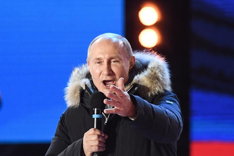 Vitória deve ser confirmada pela Justiça eleitoral nesta segunda-feira, 19; presidente chegará ao seu quarto mandato - Foto: Kirill Kudryavtsev l AFP
