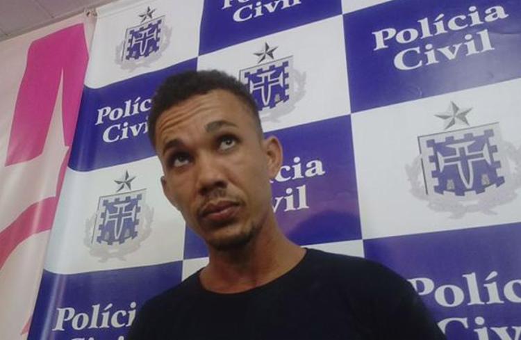 O açougueiro Rafael Soares foi apresentado à imprensa nesta segunda-feira, 19, na Deam de Brotas - Foto: Andrezza Moura l Ag. A TARDE
