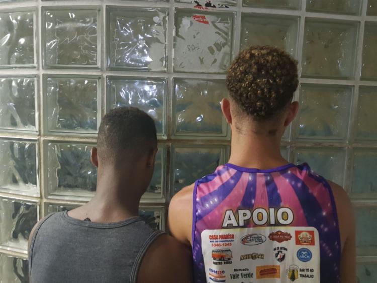 Suspeitos foram apresentados na DAI, em Brotas - Foto: Divulgação   SSP-BA