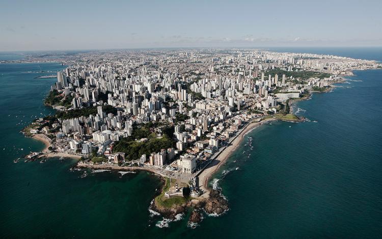 Na contramão de outras cidades, Salvador registrou aumento nos preços dos imóveis - Foto: Mila Cordeiro l Ag. A TARDE