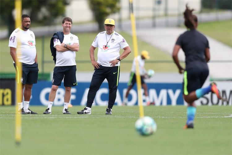 Técnico confirmou as 22 jogadoras que defenderão o Brasil na competição - Foto: Lucas Figueiredo l CBF