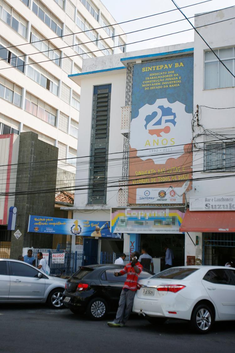 Dirigente teria abordado as vítimas dentro da sede da entidade no bairro de Nazaré - Foto: Luciano da Matta l Ag. A TARDE