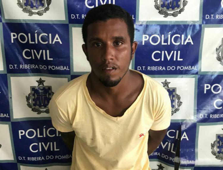 Ele tem mandado de prisão em aberto por homicídios em Olindina, Cícero Dantas, Heliópolis e Ribeira do Pombal - Foto: Divulgação | SSP