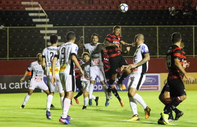 Jogadores se machucaram durante a goleada de 3x0 sobre o Bragantino - Foto: Maurícia da Matta | EC Vitória