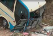 Ônibus cai de ribanceira na BA-265; 10 passageiros ficam feridos | Foto: Reprodução | TV Bahia
