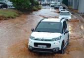 Alagamento na subida do Viaduto Raul Seixas afeta trânsito na região da LIP | Foto: Cidadão Repórter | Via WhatsApp