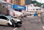 Motorista fica ferido após derrubar postes no Rio Vermelho; via foi interditada | Foto: Divulgação | Transalvador