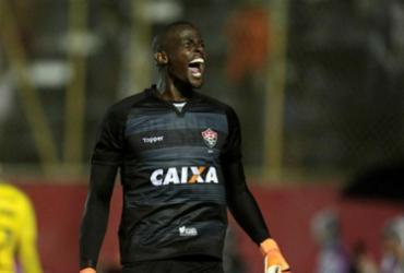 Caíque vibra com defesas feitas em jogo da classificação - Raul Spinassé   Ag. A TARDE