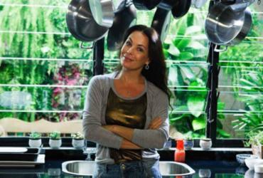 Carolina Ferraz ministra aula-show sobre gastronomia em Salvador | Reprodução | GNT