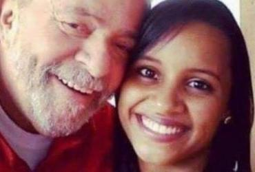 Página de Lula publica foto com vencedora de reality show que gritou 'Lula livre' | Reprodução | Facebook