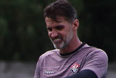 Pressionado, Vagner Mancini completa um ano à frente do Vitória | Maurícia da Matta l EC Vitória