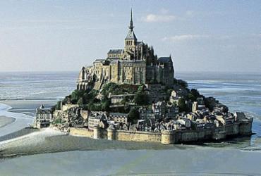 Mont Saint Michel: monumento em homenagem a um arcanjo