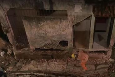 Prédio interditado pela Codesal é demolido no IAPI   Reprodução   TV Bahia