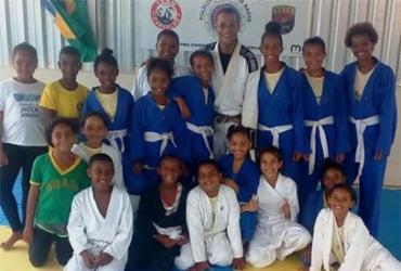Projeto de aulas gratuitas de jiu-jitsu visa inclusão social em Vera Cruz