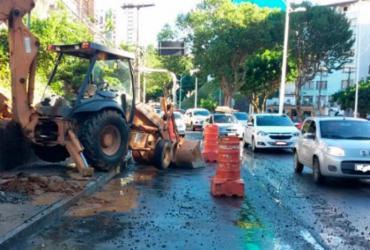 Rompimento de adutora deixa o trânsito lento na avenida Centenário | Divulgação | Transalvador