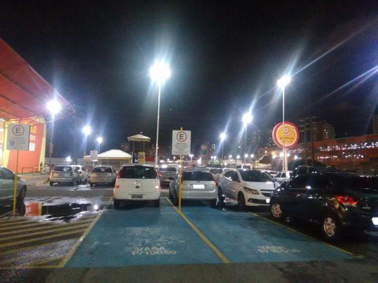 Agressão ocorreu no estacionamento do supermercado GBarbosa, na avenida ACM