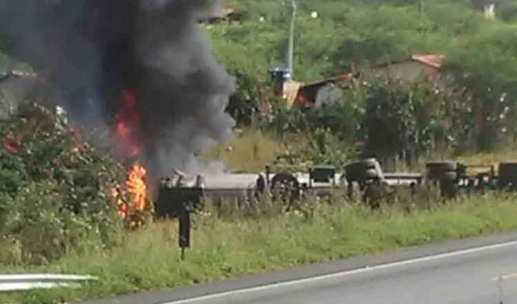 Vítima conduzia carro de passeio que bateu com a carreta - Foto: Reprodução   Blog do Marcelo