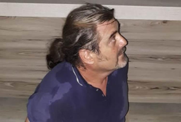 Suspeito foi encontrado dentro de uma loja vizinha a agência bancária - Foto: Reprodução | Sigi Vilares