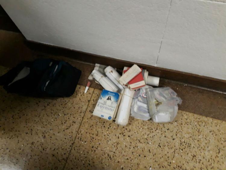 Materiais encontrados na mochila deixada no Fórum
