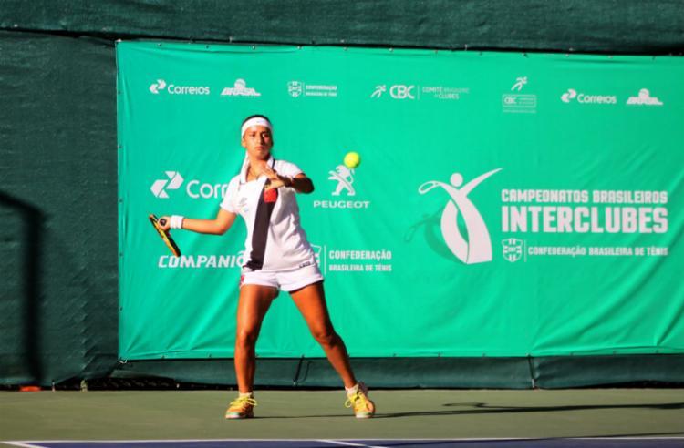 Tenista Camilla Lago é a atual campeã da categoria 16 anos - Foto: Juarez Mathias | Divulgação