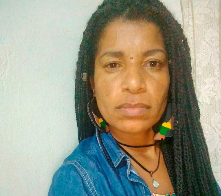 Carla Cleide Lopes Barboza Lino é estudante de letras - Foto: Raniel dos Anjos | Divulgação