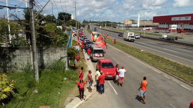 Carreata teve início na manhã deste domingo, 15, no bairro de Cajazeiras - Foto: Divulgação l CUT-BA