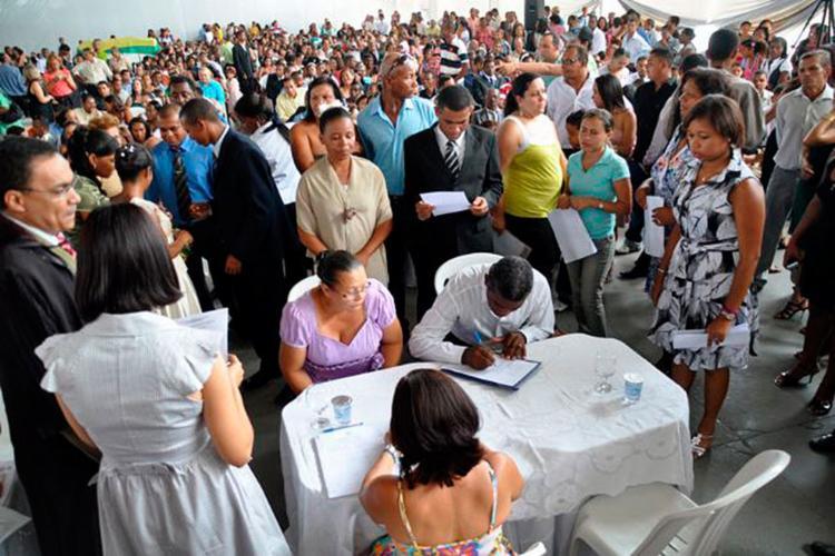 Casais devem se inscrever presencialmente para casamento coletivo - Foto: Divulgação   Secom