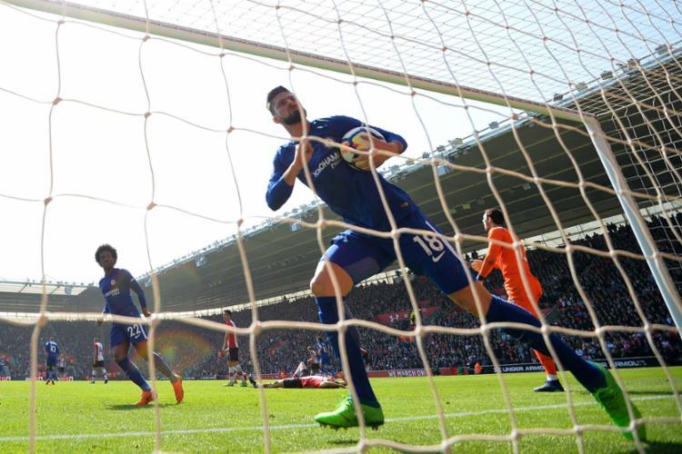 O resultado manteve o sonho do Chelsea de ir à Liga dos Campeões - Foto: Glyn Kirk | AFP