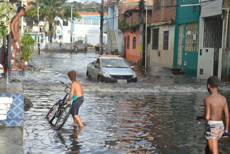 Uruguai foi um dos bairros da capital com registro de alagamento - Foto: Shirley Stolze | Ag. A TARDE