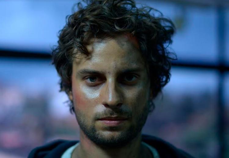 Gabriel Pardal interpreta o jovem poeta Guima