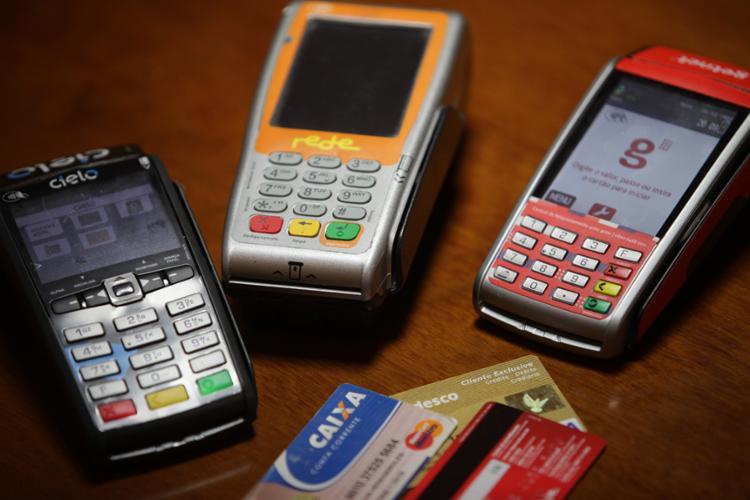 Medida prevê que instituições financeiras decidam porcentual mínimo a ser pago - Foto: Adilton Venegeroles | Ag. A Tarde
