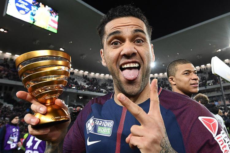 Dani ajudou o PSG a conquistar o título da Copa da Liga Francesa - Foto: Franck Fife l AFP