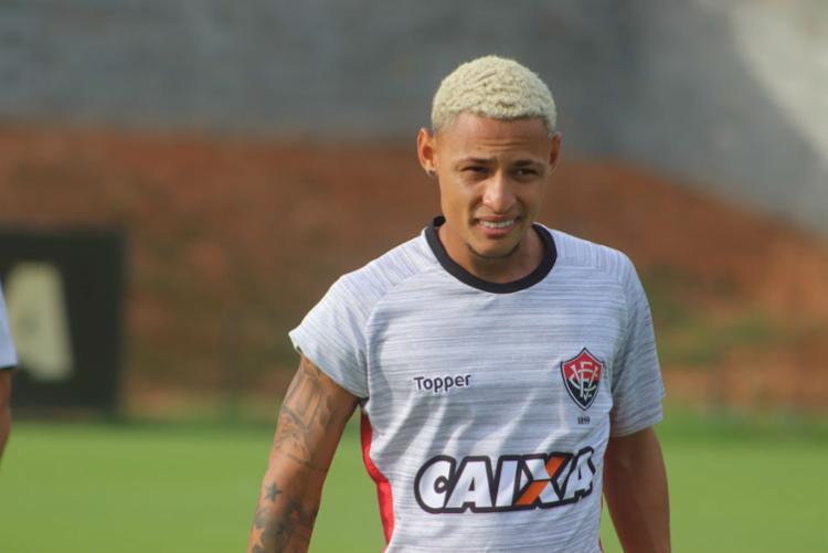 Artilheiro desfalcará time em jogo contra o Flamengo - Foto: Maurícia da Matta | EC Vitória