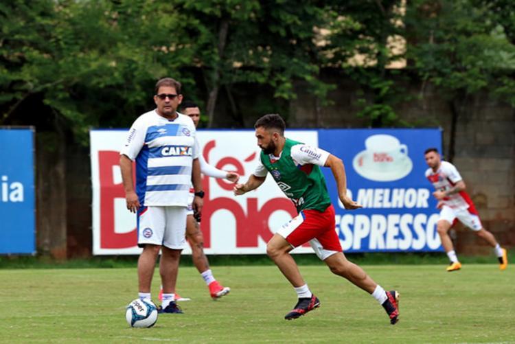 Treinador deu prioridade aos detalhes de marcação e saída de bola - Foto: Felipe Oliveira | Ec Bahia