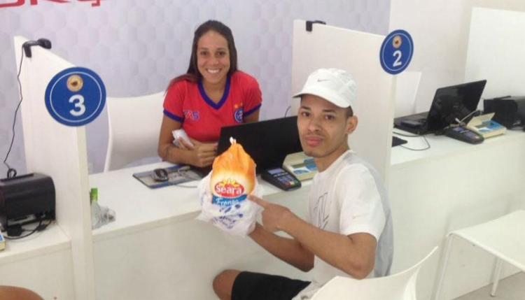 Bahia pede que torcedor leve uma galinha para ganhar 50% na mensalidade - Foto: Divulgação | ECBahia