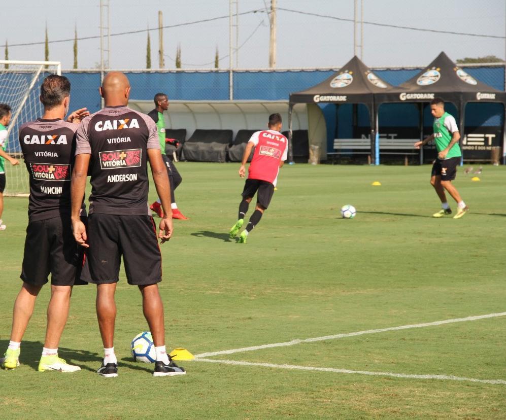 Mancini comandou trabalho com foco no jogo de sábado (Foto: André Hiltner | Divulgação | EC Vitória)