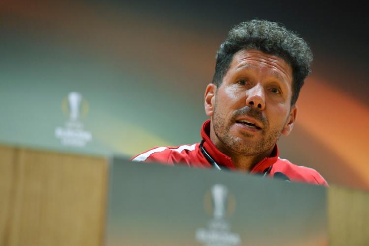 O técnico afirmou que o jogo será intenso e duro para ambas equipes - Foto: Ben STANSALL | AFP