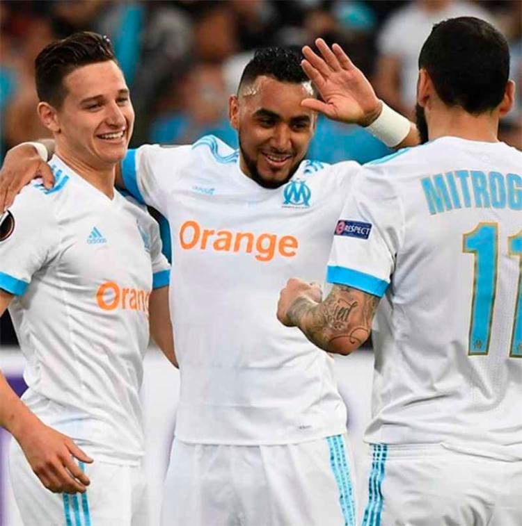 Clinton Njie tabelou com Payet e recebeu de volta para marcar o segundo gol do time francês - Foto: Reprodução | Instagram