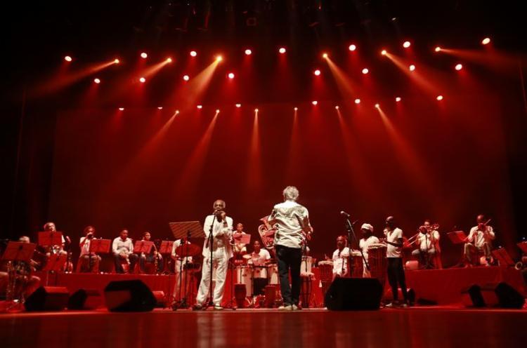 Artistas ensaiaram juntos na tarde desta sexta