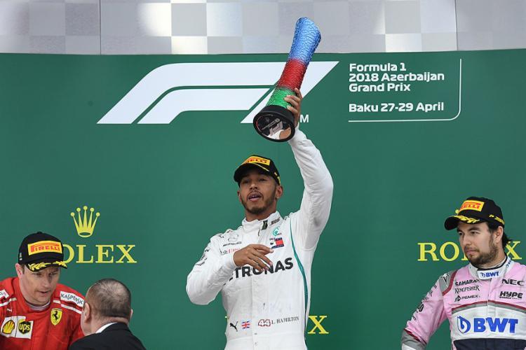 Na corrida mais tumultuada da temporada da Fórmula 1 até agora, britânico contou com a sorte - Foto: Kirill Kudryavtsev l AFP