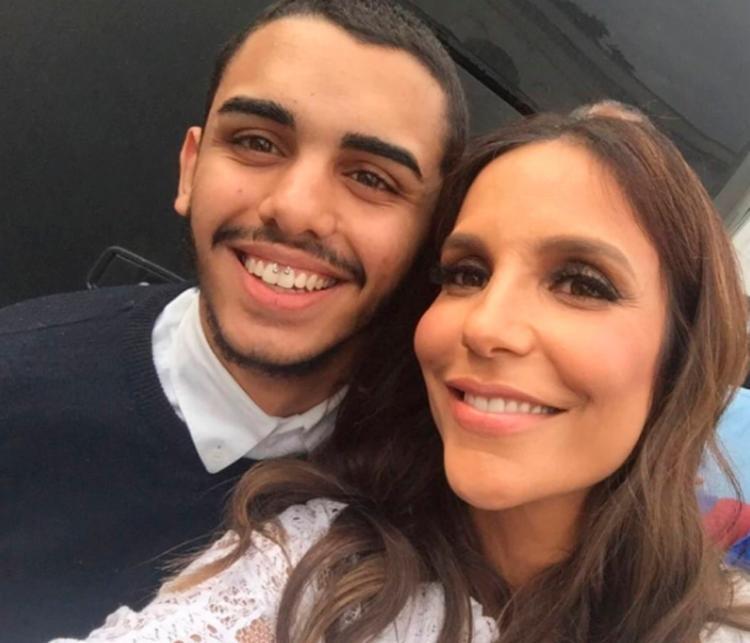 Cantora viu a homenagem, curtiu e comentou na foto que ele publicou no Instagram - Foto: Reprodução   Instagram