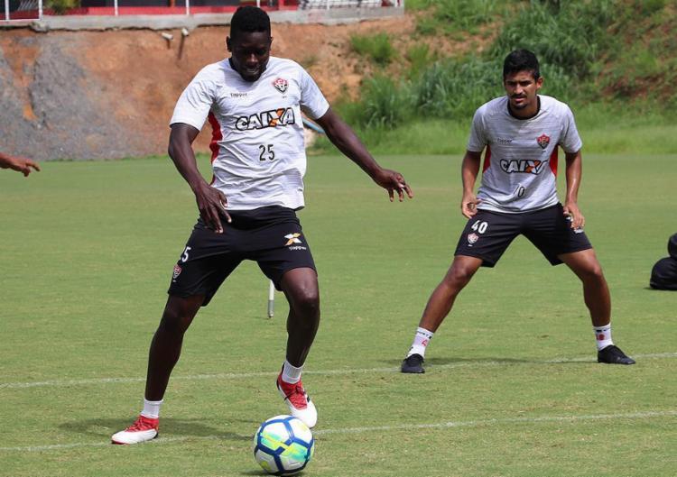 Kanu e Ramon (direita) retornam ao time após final do Baiano - Foto: Maurícia da Matta l EC Vitória
